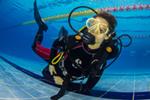 Сегодня в пятницу 13-ого к нам пришли заниматься ребята, которые проходили в прошлый выходной курс Shallow Water. Ближе к окончанию занятий они поняли, что у них все хорошо получается, и они хотят продолжить обучение и стать полноценными Open Water Diver….