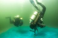 …Олег сегодня прошел половину курса Dry Suit Diver SDI по методике, разработанной STDE. Мы выполнили два погружения на открытой воде длительностью 45 мин….
